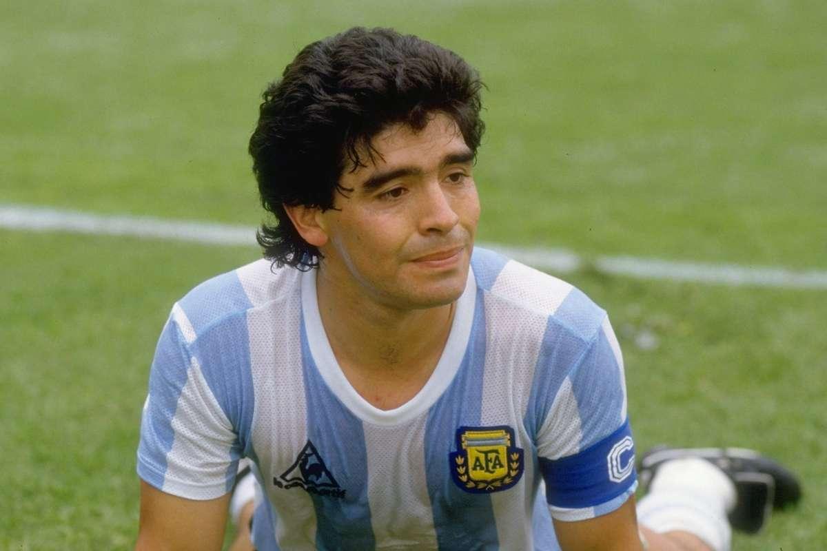 Παγκόσμια θλίψη: Πέθανε ο Θεός του ποδοσφαίρου Ντιέγκο Μαραντόνα