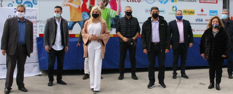 Πειραιάς: Ο δήμαρχος Γιάννης Μώραλης στην εθελοντική αιμοδοσία στο ΣΕΦ