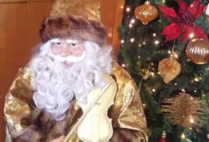 Ανέκδοτο: Ο θυμωμένος Άγιος Βασίλης και το Χριστουγεννιάτικο δέντρο. Τρελό γέλιο