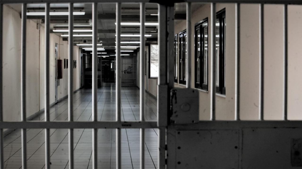 """Δικηγορικοί Σύλλογοι Ελλάδας: """"Να επιστρέψουν οι φυλακές και τα θέματα σωφρονισμού στο Υπουργείο Δικαιοσύνης"""""""