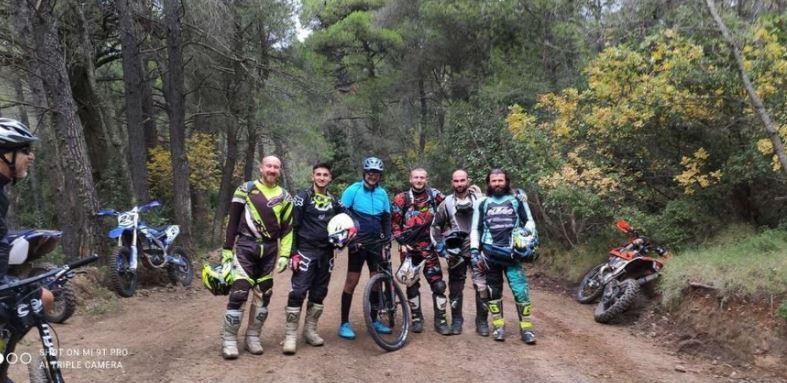 Οργή για την ποδηλατάδα του Μητσοτάκη στη Πάρνηθα - Τα μέτρα ισχύουν μόνο για τα κοροΐδα