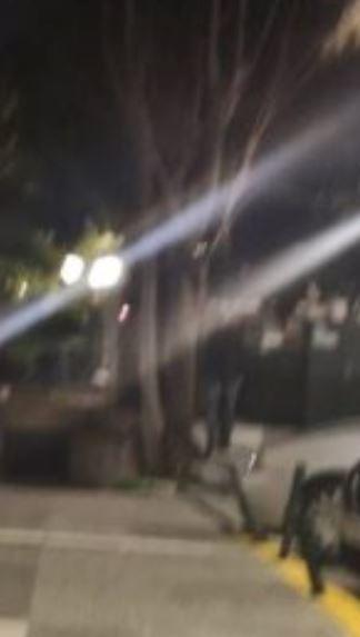 Τρόμος στο Κερατσίνι: Άνδρας βρέθηκε κρεμασμένος σε πλατεία επί της οδού Σπάρτης-photo