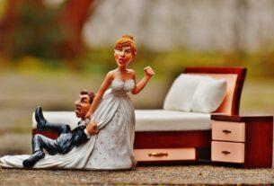 Ανέκδοτο: Η Μαμά και οι παντρεμΑνέκδοτο: Η Μαμά και οι παντρεμένες κόρες. Επικό γέλιοένες κόρες. Επικό γέλιο