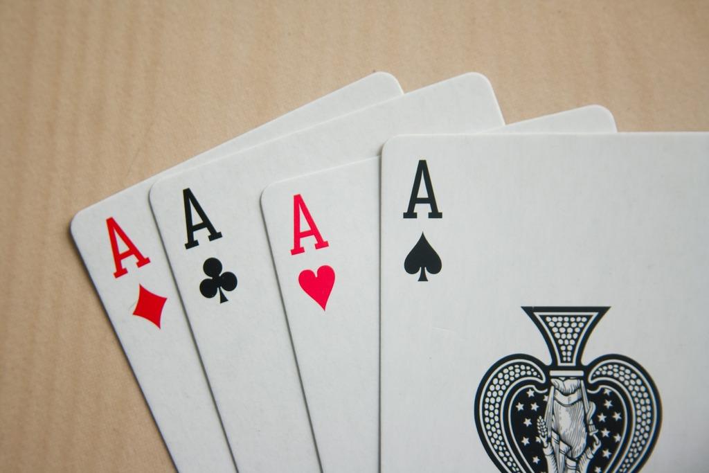 Ανέκδοτο: Το Πόκερ και η έξυπνη σύζυγος! Πολύ γέλιο