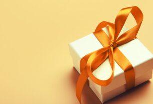 Γιορτή σήμερα 4/1: Ποιοι γιορτάζουν σήμερα Δευτέρα 4/1 εορτολόγιο Δελτίο Καιρού