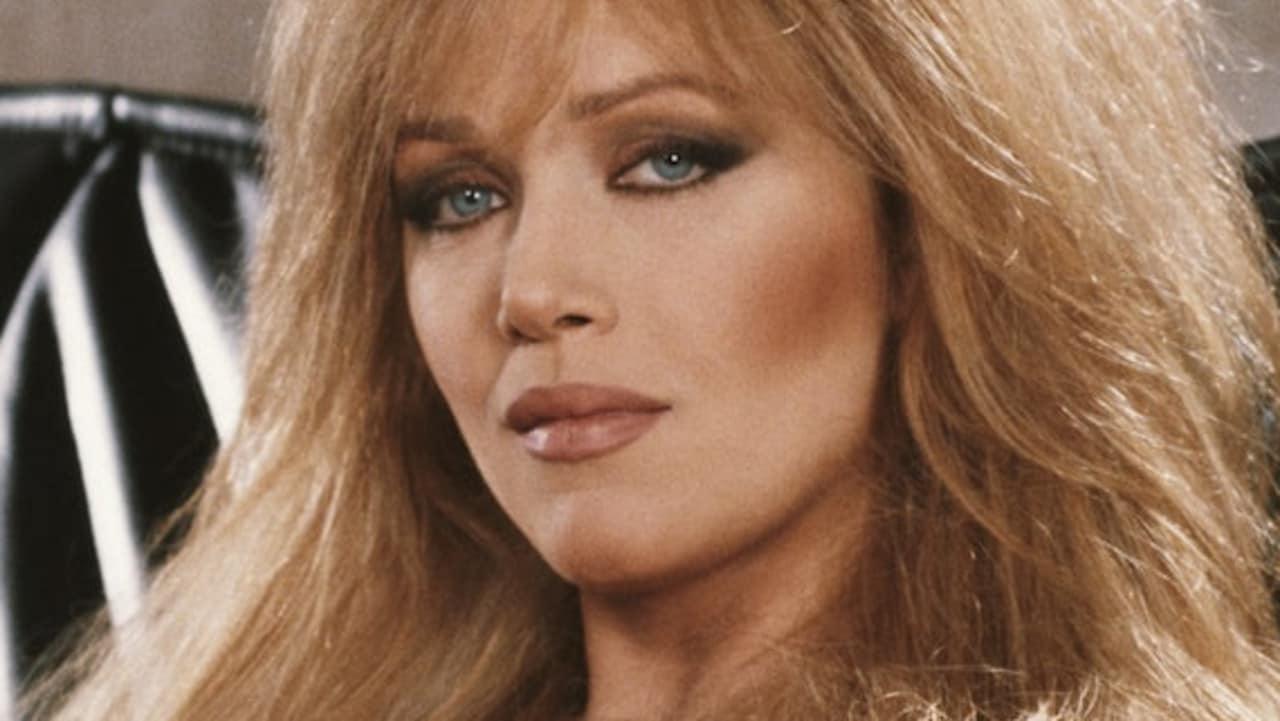 """""""Έφυγε"""" η Tanya Roberts – Το πανέμορφο κορίτσι του James Bond"""