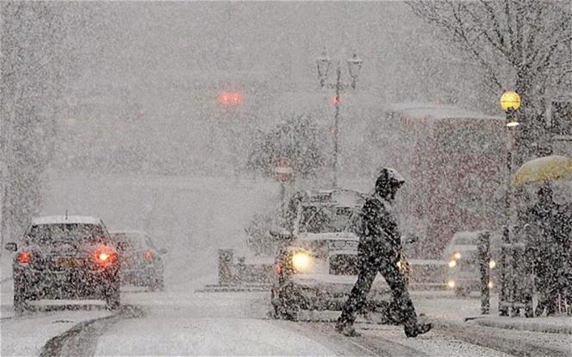 Καιρός σήμερα 15/1: Αγριεύει η κακοκαιρία «Λέανδρος» με χιόνια!