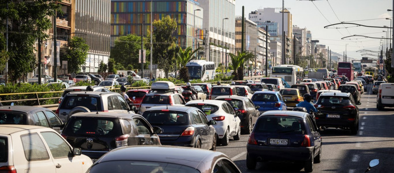 Lockdown: Η αυξημένη κίνηση στους δρόμους της Αττικής φέρνει νέα μέτρα