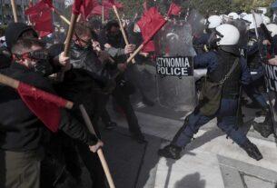 Ένταση στο πανεκπαιδευτικό συλλαλητήριο: Χημικά έξω από τη Βουλή- Σοβαρά επεισόδια και στη Θεσσαλονίκη-video