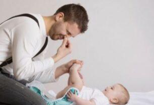 Άδεια τοκετού 14 ημερών και στον πατέρα -Τι ισχύει για τις αποδοχές