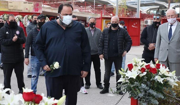 Ο ΘΡΥΛΟΣ τίμησε τα θύματα της τραγωδίας της Θύρας 7-PHOTOS
