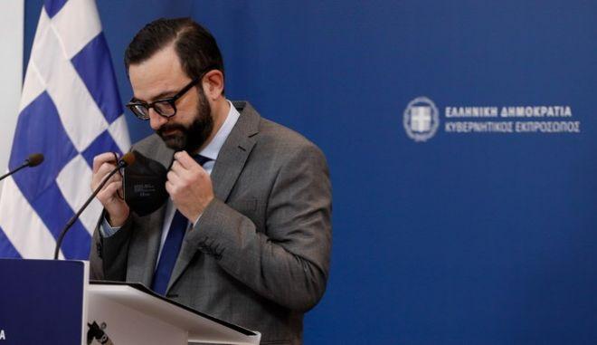 Αντί να παραιτηθεί η Μενδώνη...παραιτήθηκε ο Χρήστος Ταραντίλης