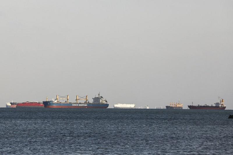 Δεκαέξι ελληνικά πλοία είναι στην αναμονή στην Διώρυγα του Σουέζ