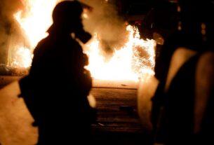 Νέα Σμύρνη – ΣΟΚ: Αστυνομικοί φωνάζουν «Πάμε να τους σκοτώσουμε»-video