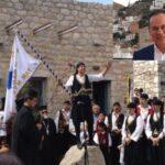 Νίκος Μανωλάκος: Αίτημα ένταξης της Μανιάτικης στολής στις εθνικές ενδυμασίες της Προεδρικής Φρουράς