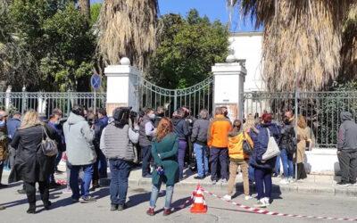 Μακρινίτσα: «Φονιάς, σαπίστε τον»! Οργή στα δικαστήρια Βόλου για τον δολοφόνο των δυο αδερφών