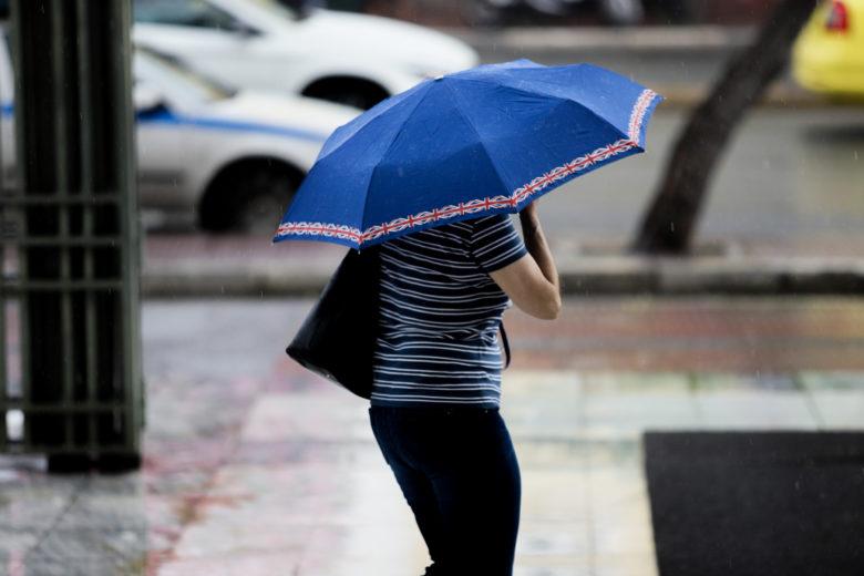Καιρός Σαββατοκύριακο 24-25 Απριλίου: Βροχές και καταιγίδες – Πότε εξασθενούν