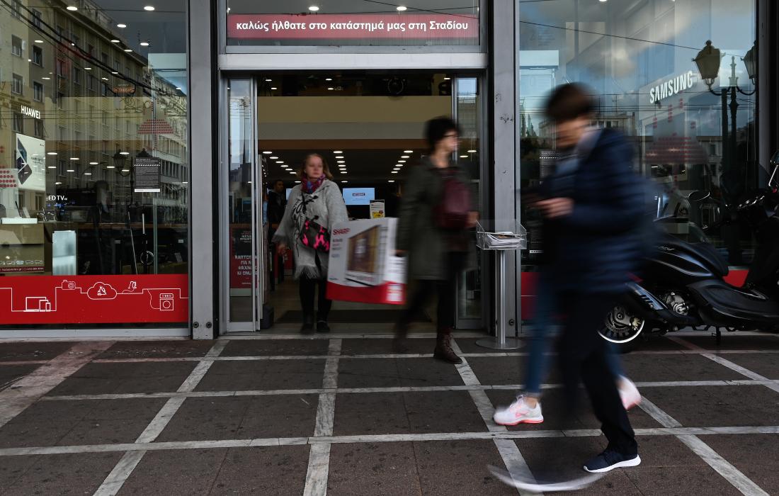 Ανοίγουν σήμερα Δευτέρα τα μεγάλα πολυκαταστήματα