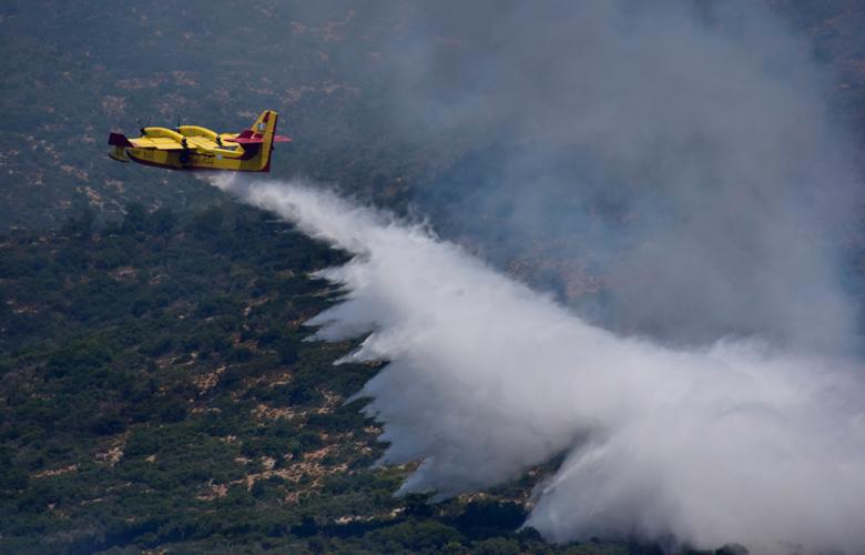 Μάνη: Φωτιά στο χωριό Κοκκάλα