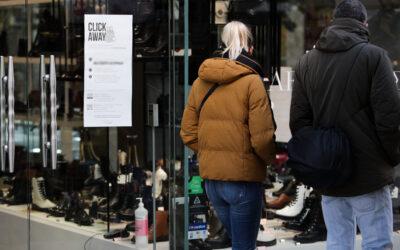 Πώς θα λειτουργήσουν τα καταστήματα – Ποιες ημέρες θα είναι κλειστά