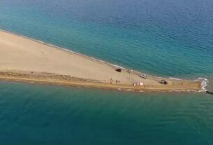 Ποταμός: Η μοναδική ελληνική παραλία με τα δύο «πρόσωπα»