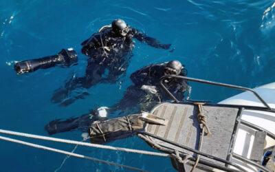 Είχαν κρύψει την κοκαΐνη στα ύφαλα του πλοίου – Δείτε την υποβρύχια επιχείρηση του Λιμενικού