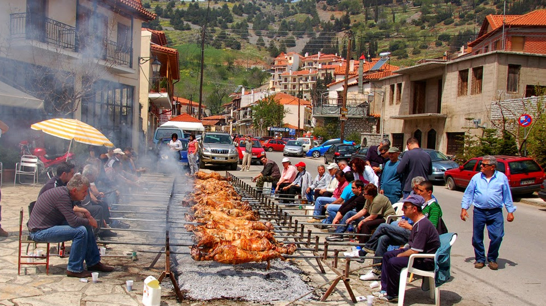 Πάσχα στο χωριό: Συνεδριάζει σήμερα η επιτροπή – Τα σενάρια που εξετάζονται