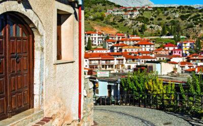 Καθηγητής Πνευμονολογίας: Καλύτερα στα χωριά το Πάσχα, παρά στα διαμερίσματα