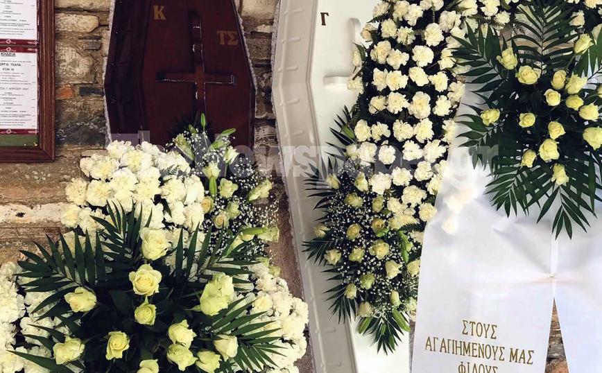 Μακρινίτσα: Το τελευταίο «αντίο» στα δύο αδέρφια – Σε λευκό φέρετρο η 28χρονη