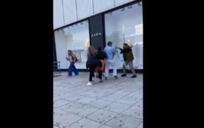 Σάλος! Γυναίκες πιάστηκαν στα χέρια έξω από κατάστημα – «Φύγε από' δω μωρή π@@» (βίντεο)