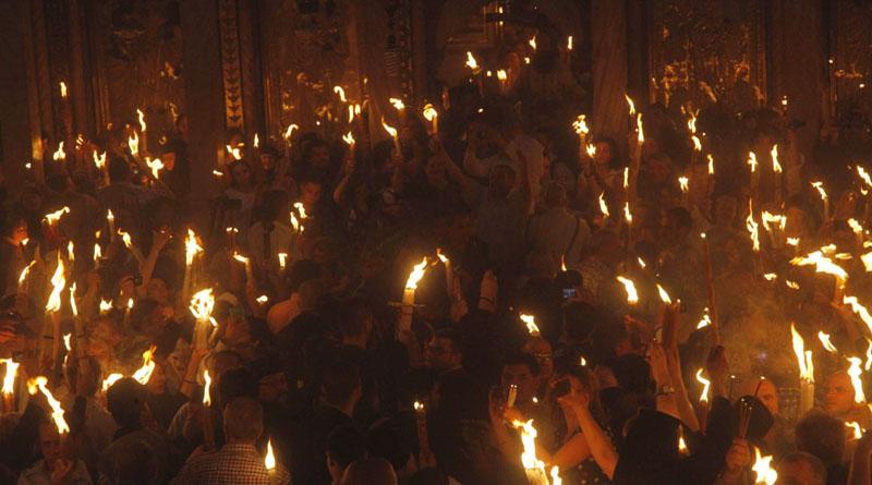 Δείτε σε ζωντανή μετάδοση την τελετή του Αγίου Φωτός στον Πανάγιο Τάφο (βίντεο)