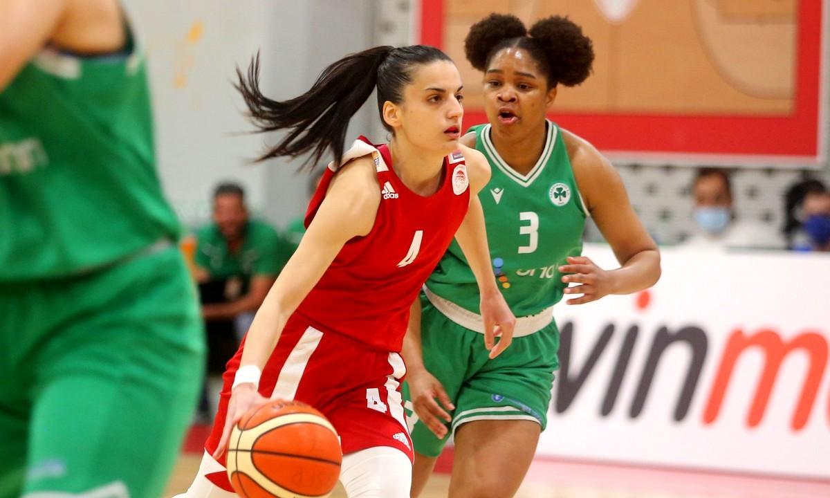 Ανώτερος ο Ολυμπιακός ταπείνωσε τον Παναθηναϊκό με 73-58
