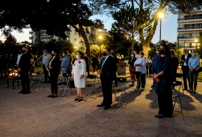 Εκδήλωση τιμής και μνήμης για τα 102 χρόνια από τη Γενοκτονία των Ελλήνων του Πόντου στο Μνημείο Γενοκτονίας της πλατείας Αλεξάνδρας στον Πειραιά
