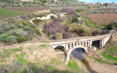 Άσσος Κορινθίας: Η γέφυρα της Ευφροσύνης και ο θρύλος με την κοπέλα