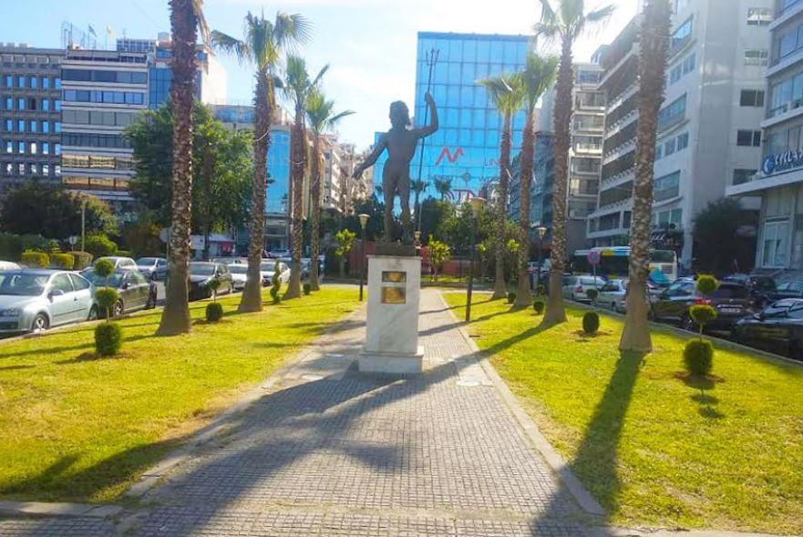 Δήμος Πειραιά: Αναπλάσεις πρασίνου και φυτεύσεις εποχιακών λουλουδιών