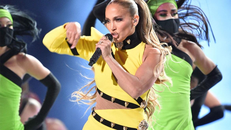 Οι 3 ασκήσεις της Jennifer Lopez για καλογυμνασμένους κοιλιακούς