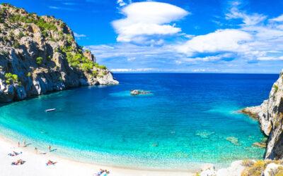 Κάρπαθος: Ονειρεμένες διακοπές στο νησί με τις 100 παραλίες