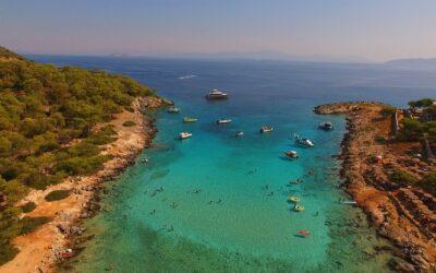 Απόνησος: Ένα νησί της Καραϊβικής στον Αργοσαρωνικό! (video)