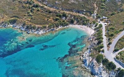 Λιανή Άμμος: Η φυσική πισίνα κοντά στην Αθήνα που πας με αυτοκίνητο (video)