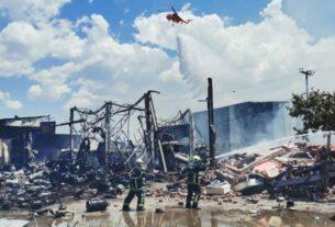 Μεγάλη φωτιά στον Ασπρόπυργο – Εικόνες και βίντεο από την έκρηξη βυτιοφόρου με προπάνιο – Διέλυσε 15 αυτοκίνητα!