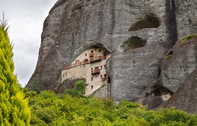 Μετέωρα: Οι απίστευτες εικόνες, τα χρώματα και τα μοναστήρια αποτελούν πόλο έλξης