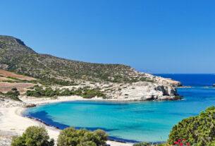 Πού και πώς θα βρεις το ελληνικό «Νησί της αιώνιας Κυριακής»