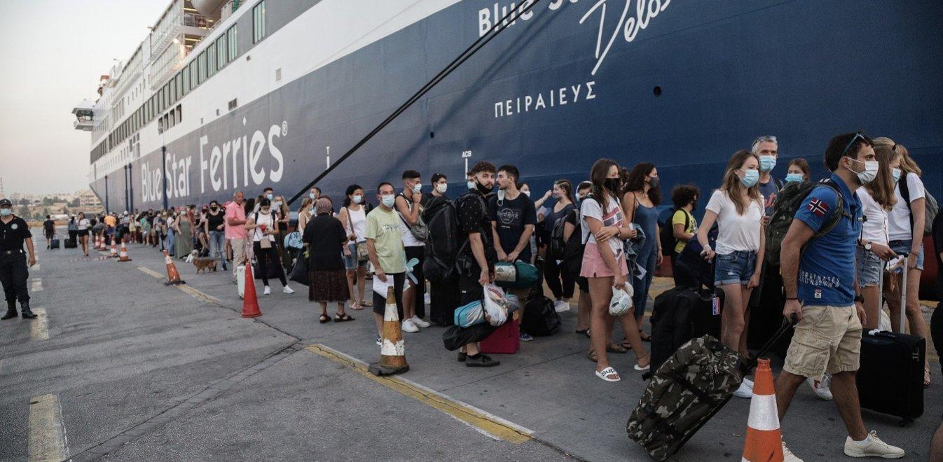 Ακτοπλοΐα: Τι ισχύει με τις μάσκες και τα μέτρα στα πλοία