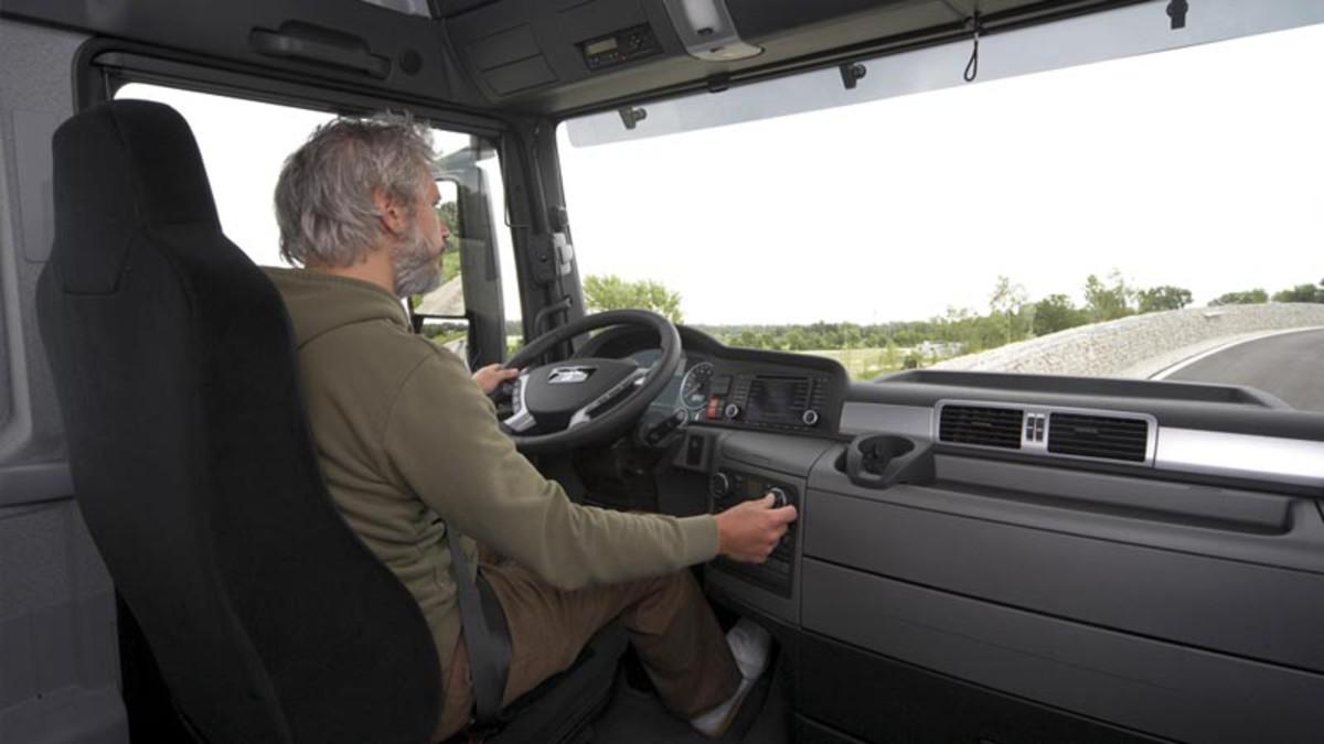 Θέσεις Εργασίας: Ζητούνται 200 οδηγοί φορτηγών με μισθό 3.500 ευρώ!