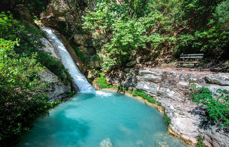 Πελοπόννησος: Κρυστάλλινα νερά και κολύμπι σε λίμνες και ποτάμια