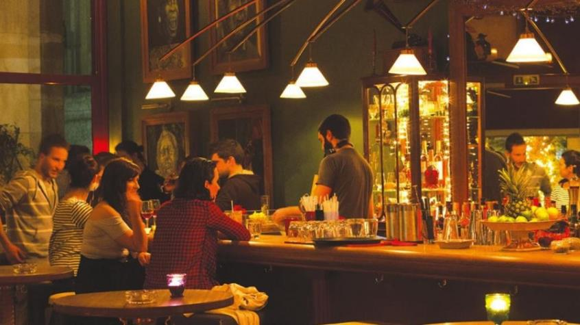 Mπαρ και καφετέριες: Με μυστικούς αστυνομικούς θα εφαρμόσει το σχέδιο «Δ» η ΕΛ.ΑΣ!