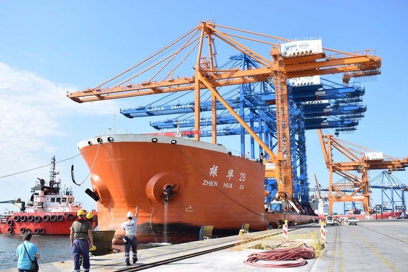 ΟΛΠ Α.Ε.: Κατέφθασε στο Λιμάνι του Πειραιά η Γερανογέφυρα Φορτοεκφόρτωσης Πλοίων Super Post Panamax του Προβλήτα Ι