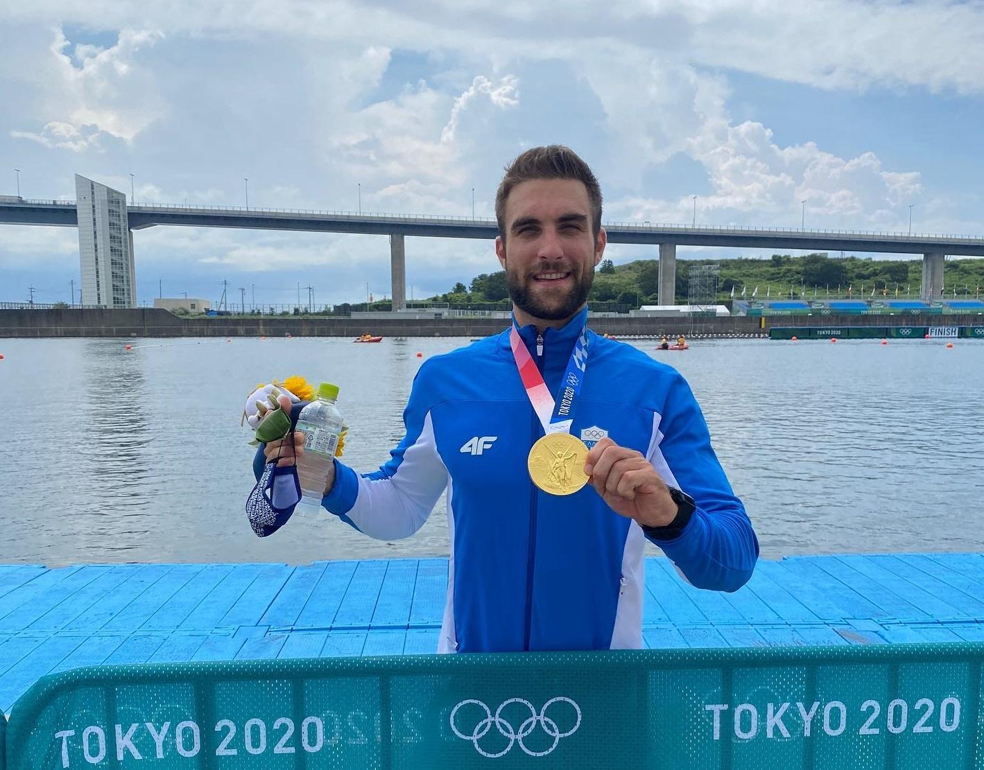 Ολυμπιονίκης Στέφανος Ντούσκος: Ποιος είναι ο 24χρονος που κέρδισε το Χρυσό στο Τόκιο 2021. Βιογραφικό