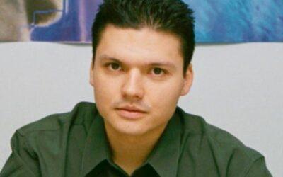 Δήμος Πειραιά: Πέθανε ο 44χρονος επικοινωνιολόγος του Δήμου Πειραιά Βασίλης Τοκάκης