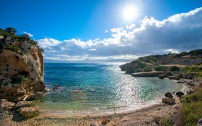 Φθινόπωρο 2021: Τρεις παραλίες για να πας μονοήμερη εκδρομή